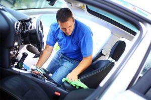 Уход за салоном автомобиля: порядок уборки и рекомендации