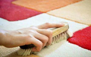 Как почистить ковер народными средствами в домашних условиях
